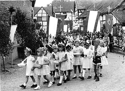 Rosenfest im Wandel der Zeit